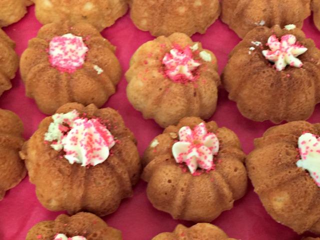 Tea party bunt cakes